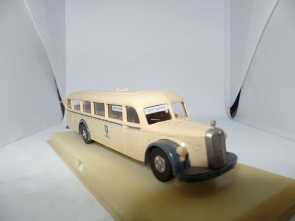Brekina H0 1/87 Scale 5040 Bus Mercedes / MB O 5000 BVG / OPERNPLATZ,